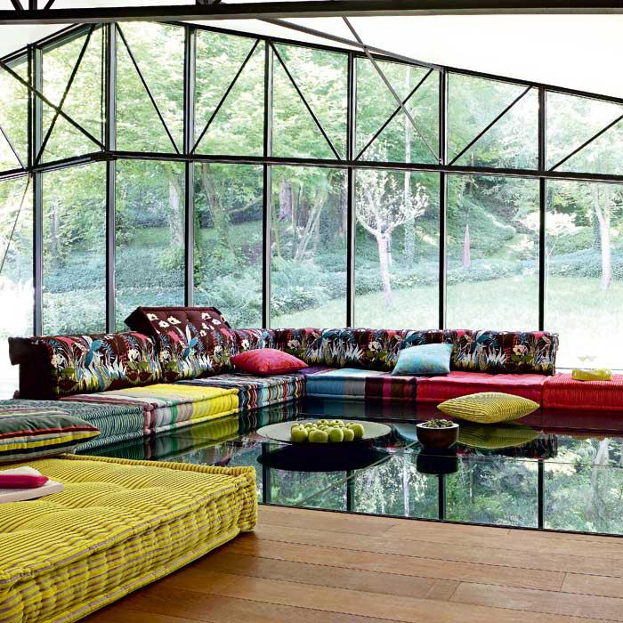 cat logo roche bobois 2013. Black Bedroom Furniture Sets. Home Design Ideas