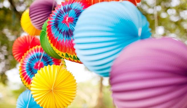 Consejos para decorar tus fiestas en casa este verano for Decoracion verano para jardin infantil