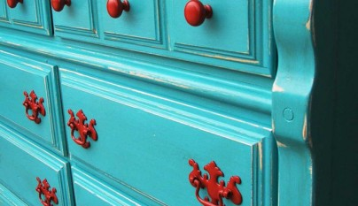 blue-distressed-furniture