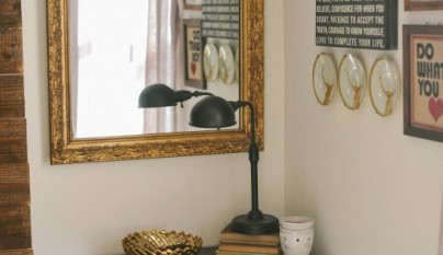Dormitorio espejo mesilla