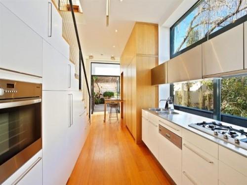 Consejos e ideas para decorar cocinas estrechas - Fotos cocinas modernas blancas ...