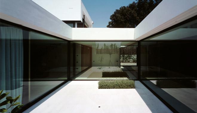 patio_interior_casach