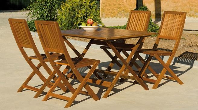 C mo proteger los muebles de madera de tu jard n for Mobiliario de jardin de madera