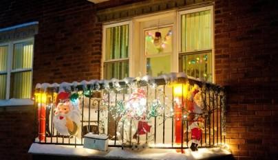 Outdoor-Balcony-Christmas-Decorating-Ideas