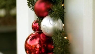 beautiful-Outdoor-Ornament-Pine-Garland