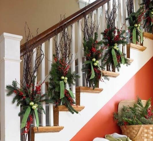 Ideas para decorar una escalera en navidad for Como decorar gradas