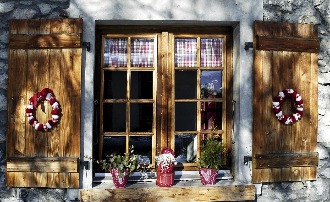 Como Decorar Ventanas Exteriores En Navidad ~ te dejamos con unas im?genes de ventanas decoradas para la Navidad