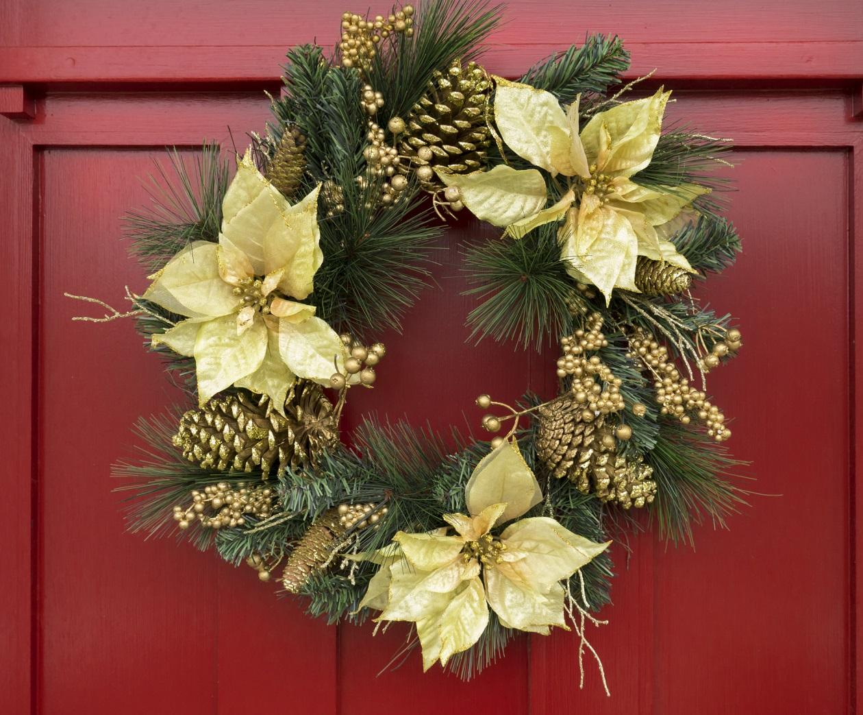 Puertas Decoradas Con Calcetines En Navidad