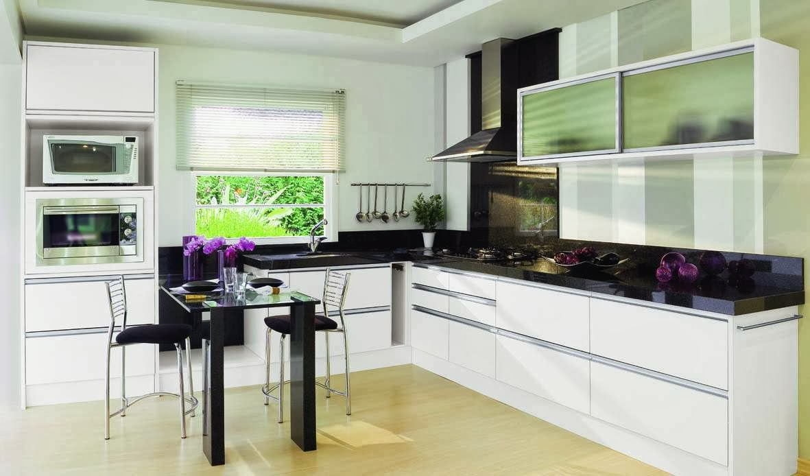 Cocina moderna blanco negro for Plateros de cocina modernos