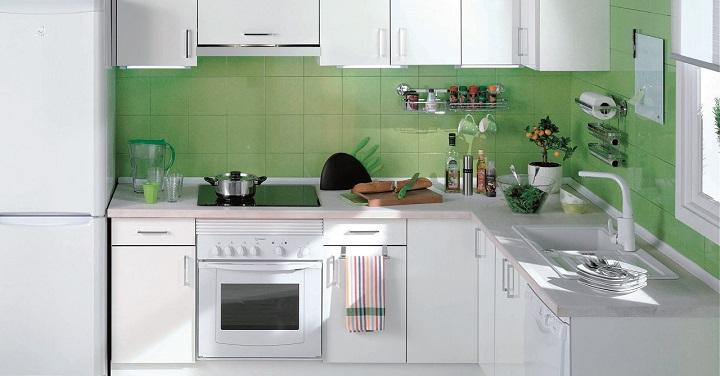 Renovar la cocina con pintura for Pintura azulejos cocina leroy merlin