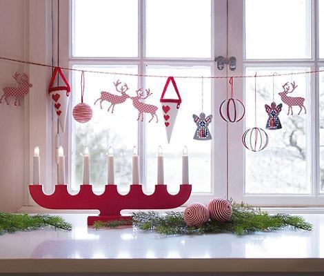 Ideas para decorar ventanas en navidad for Como adornar ventanas y puertas de navidad