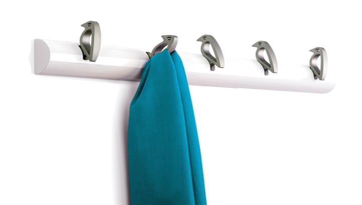 Perchas originales para decorar los armarios - Perchas pared originales ...