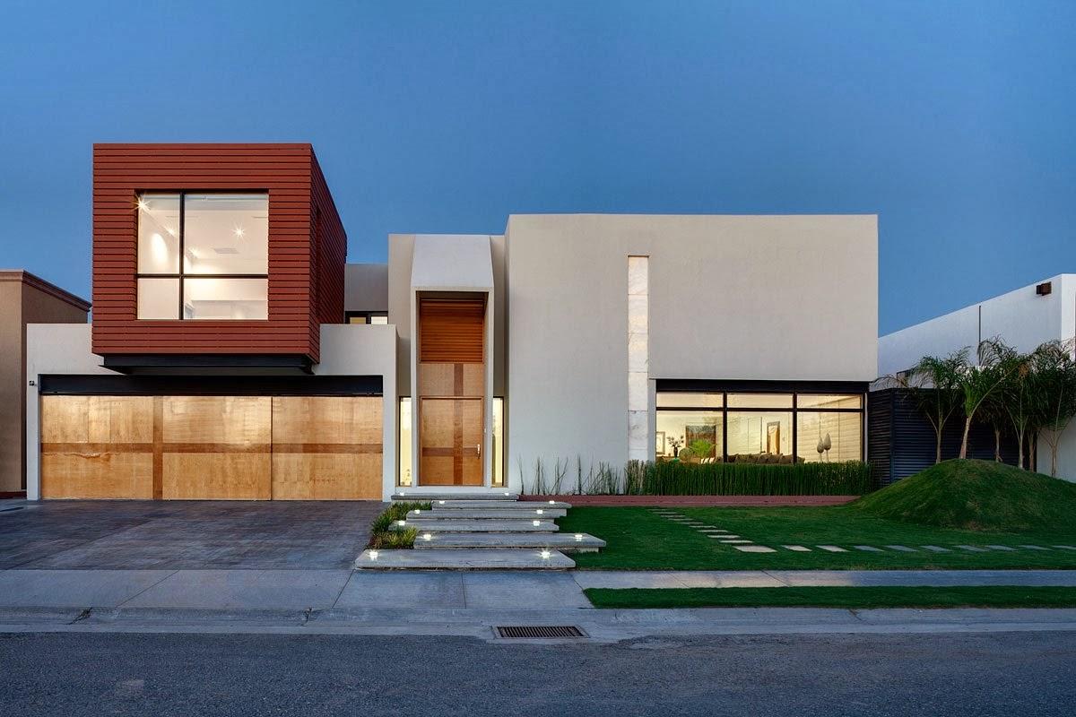 Foto fachada de casa moderna bonita con formas cuadradas for Casa moderna 7x20