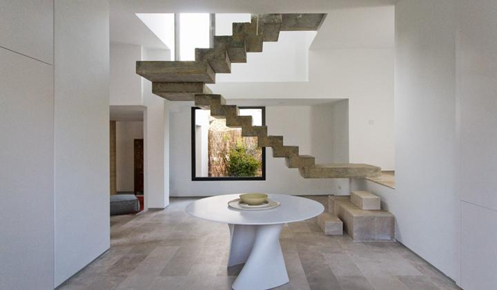 Escaleras para interiores for Escaleras minimalistas interiores
