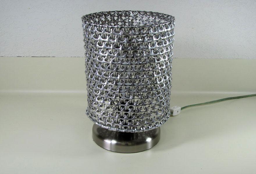 Lámparas originales hechas con material reciclado