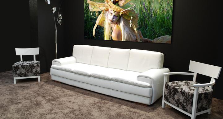 sofa en blanco