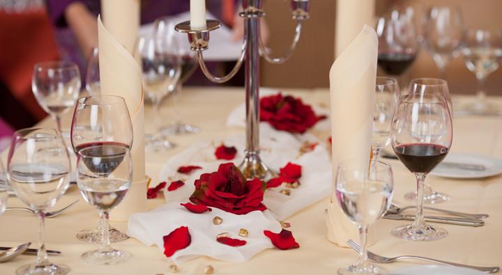 Ideas para decorar la casa para una noche rom ntica for Ideas noche romantica