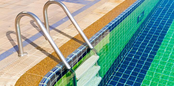 superficie de piscina