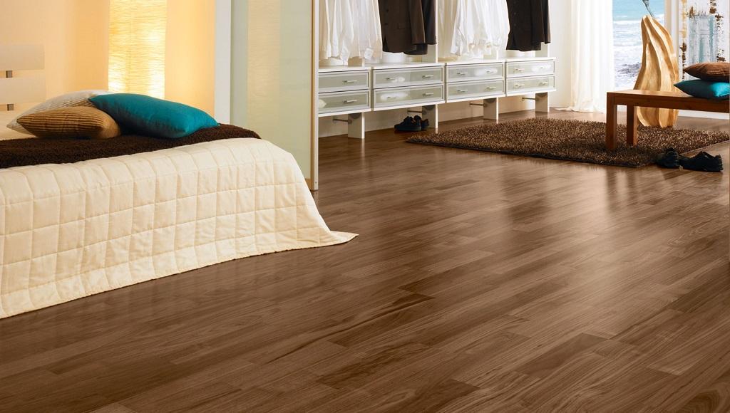 Reparar suelos de madera y laminados for Salones para pisos