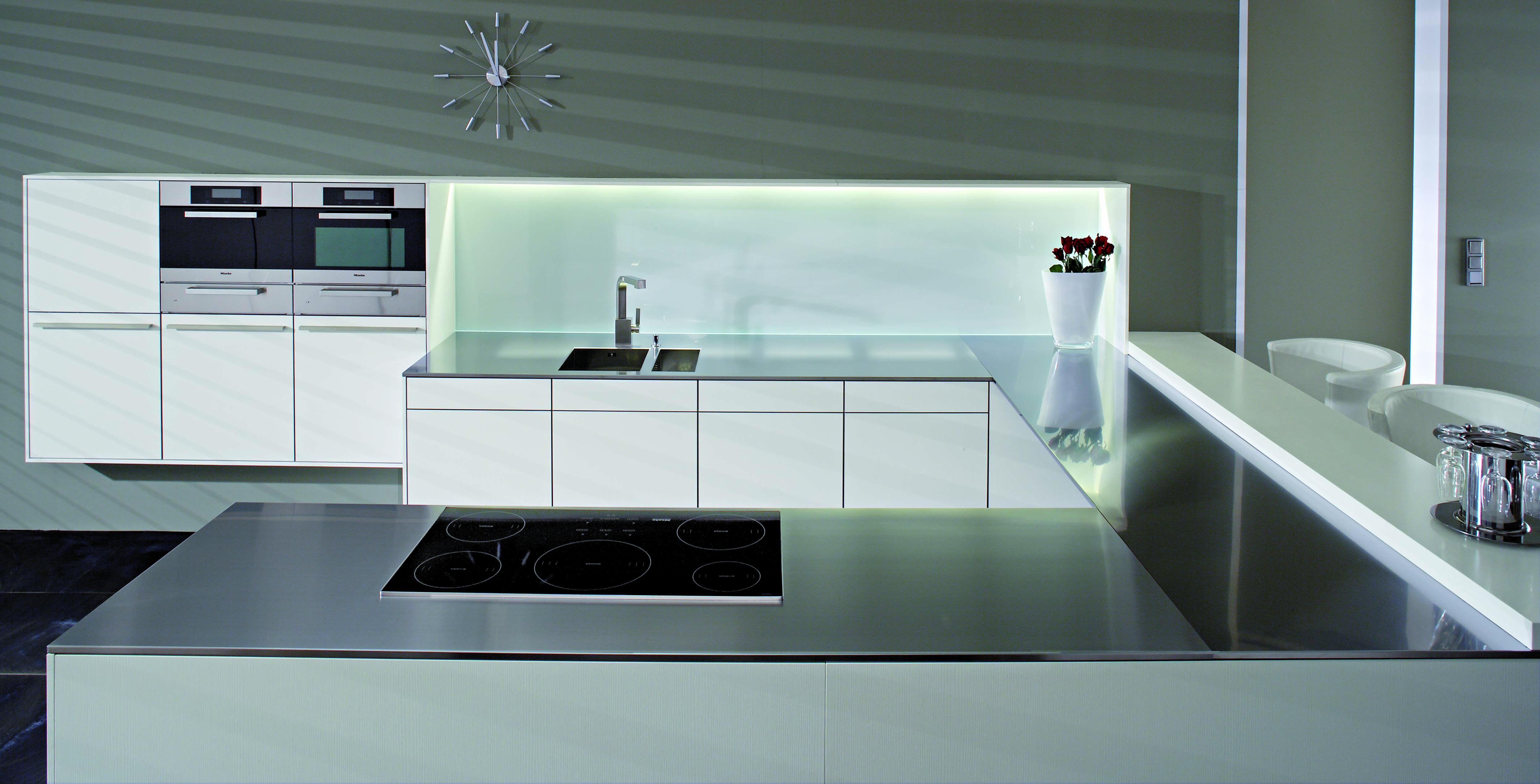 Fotos de cocinas de lujo for Cocina 15 metros cuadrados