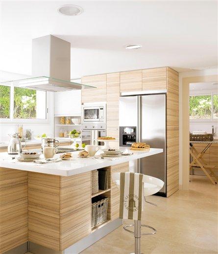 Muebles cocina suelo madera ideas for Suelos de madera para cocinas