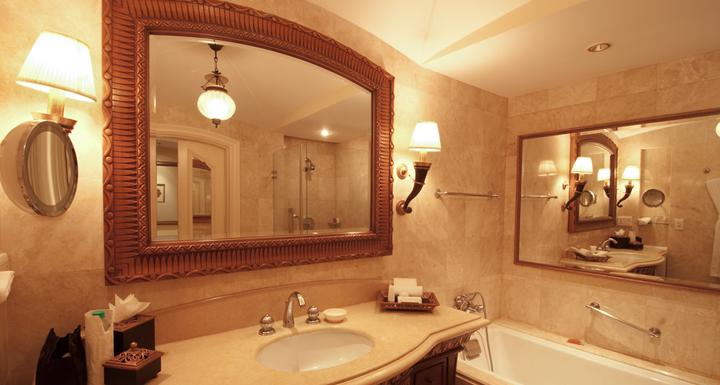 Tipos de espejos para el ba o for Espejo tipo camerino
