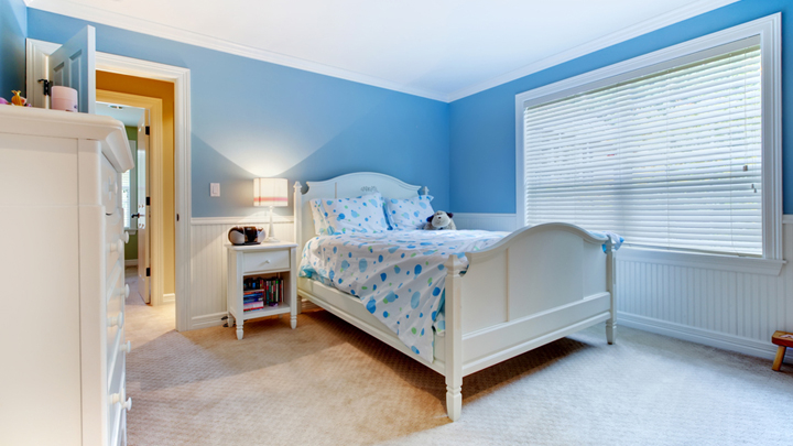 Dormitorios infantiles de color azul for Colores para cuartos infantiles