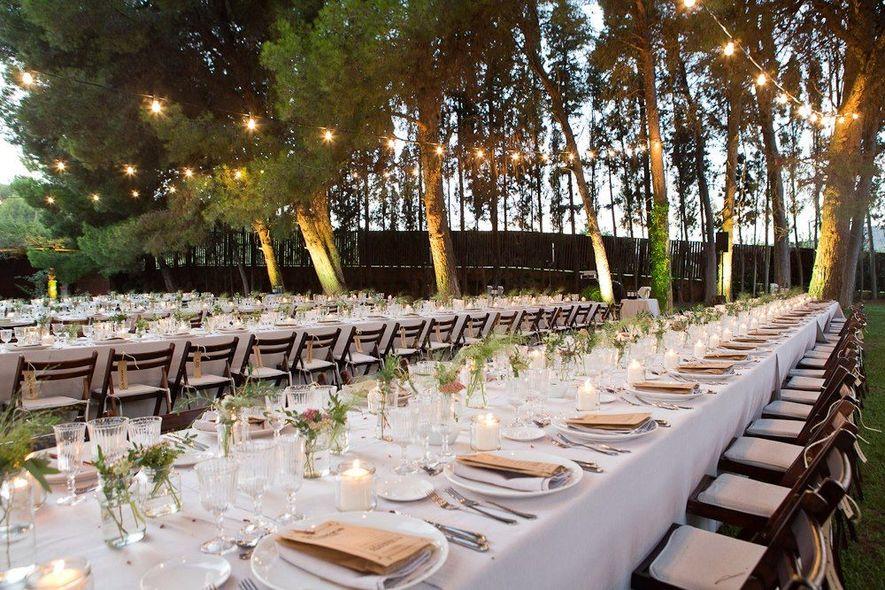 detalles originales centros de mesa para bodas con tazas vintage