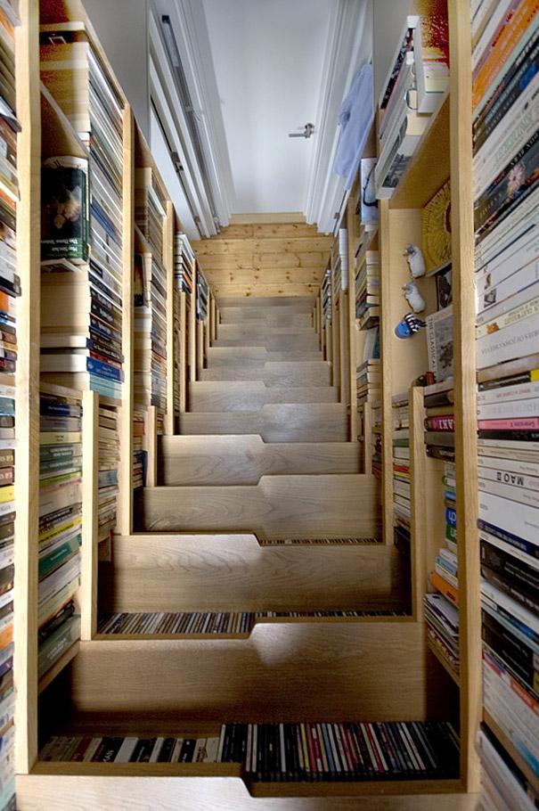 esacalera para almacenar libros