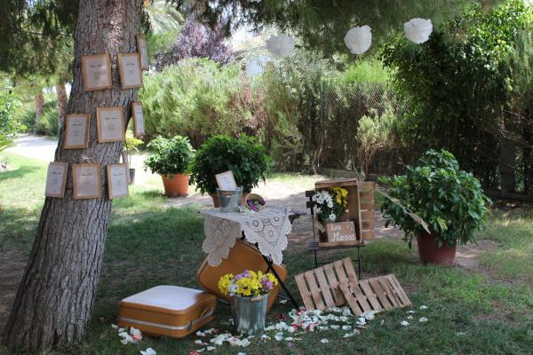 Bodas rusticas38 for Arreglos florales para boda en jardin