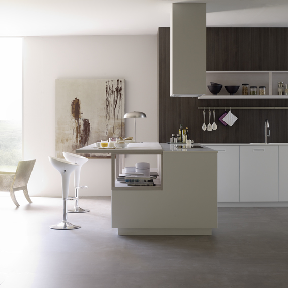 Cocinas alargadas con barra mesa alta barra frago with for Cocinas alargadas con barra