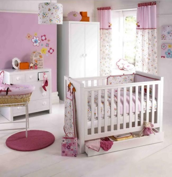 Cortinas De Baño Rosa:Dormitorios infantiles en blanco y rosa (27/40)