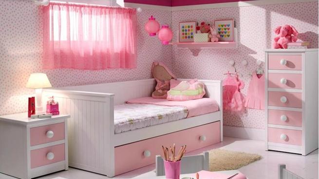 dormitorios infantiles en blanco y rosa