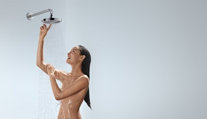 HansgroheCromaSelect_S_OverheadShower_People