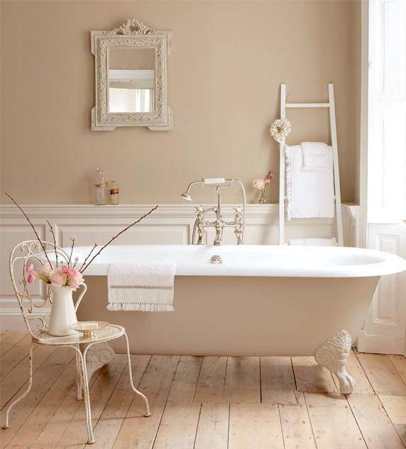 Imagenes De Baño Vintage:Country Bathroom with Clawfoot Tub