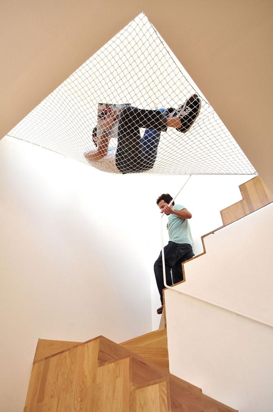 hamaca sobre unas escaleras 2