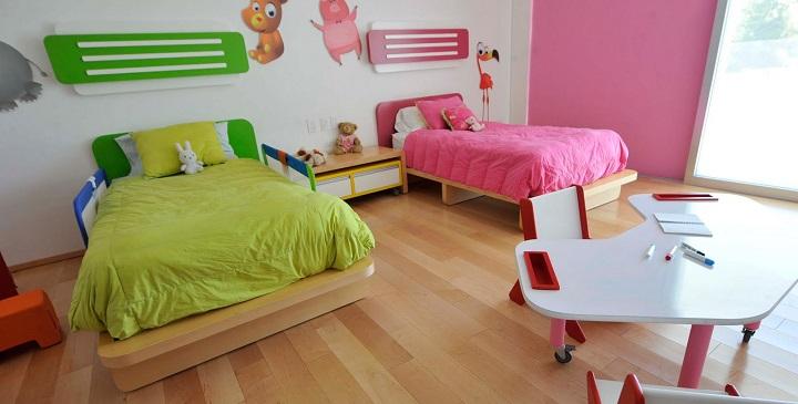C mo decorar un dormitorio compartido por un ni o y una ni a for Vinilos para dormitorios de ninos