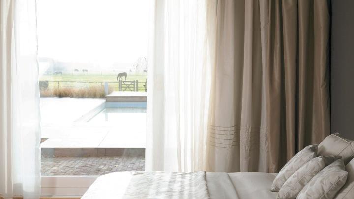 ya que son una cortina de tela muy finita y liviana normalmente fabricada en tejidos ligeros y vaporosos como el hilo o el lino - Cortinas Lino