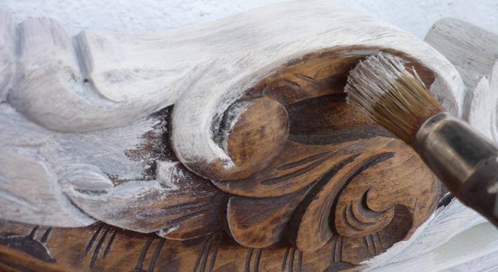 como envejecer un mueble de madera