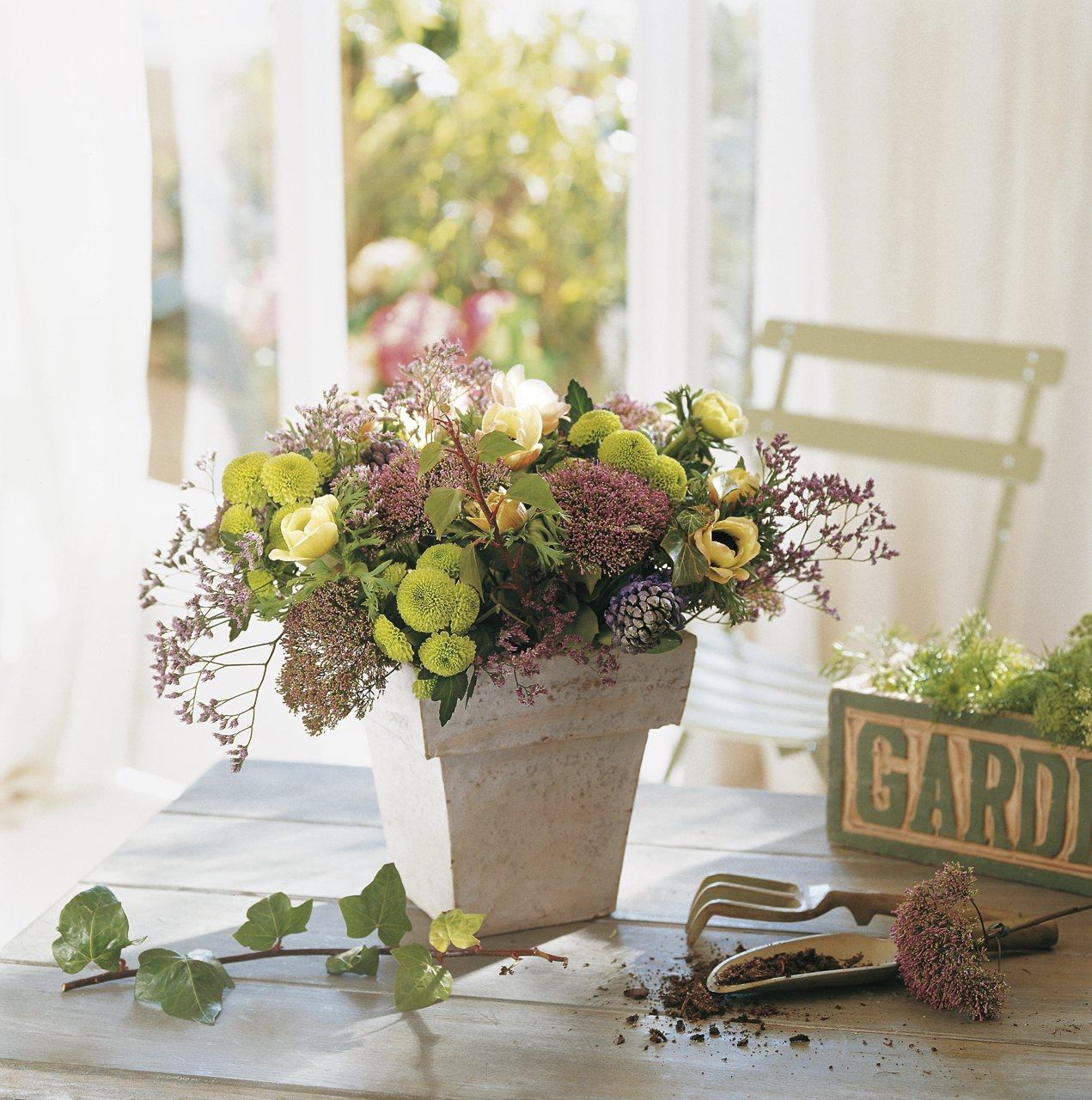 Ideas faciles y baratas para decorar con flores15 for Ideas baratas para decorar