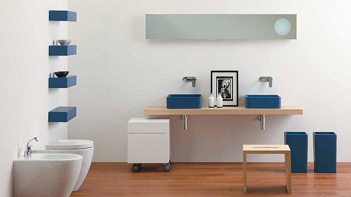 Cuartos de baño en azul y blanco