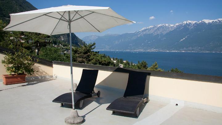 Sombrillas p rgolas y toldos para tu terraza - Sombrilla de terraza ...
