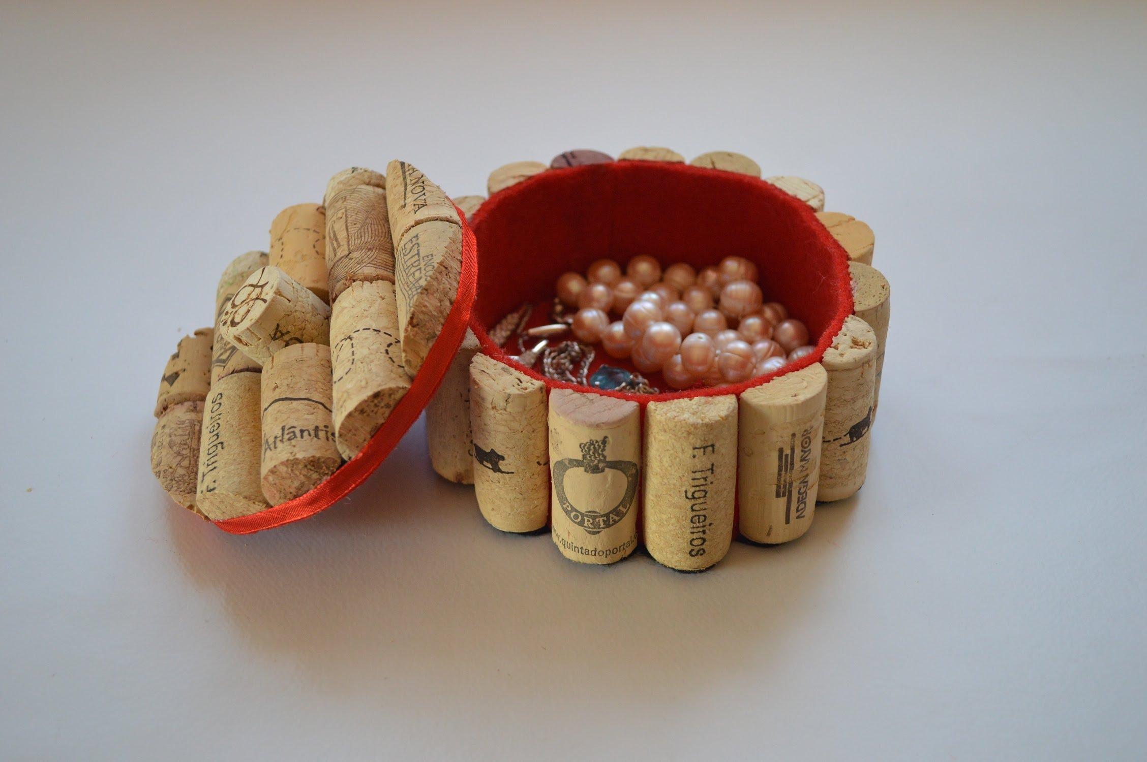 Manualidades corchos 11 - Como pegar corchos de botellas ...