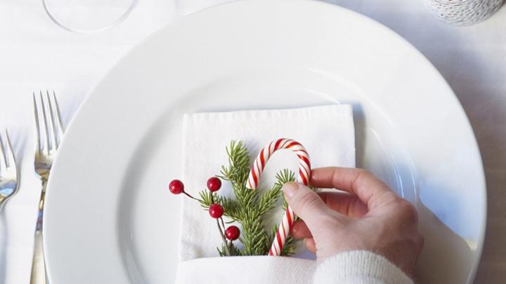 claves para decorar una mesa de navidad tradicional