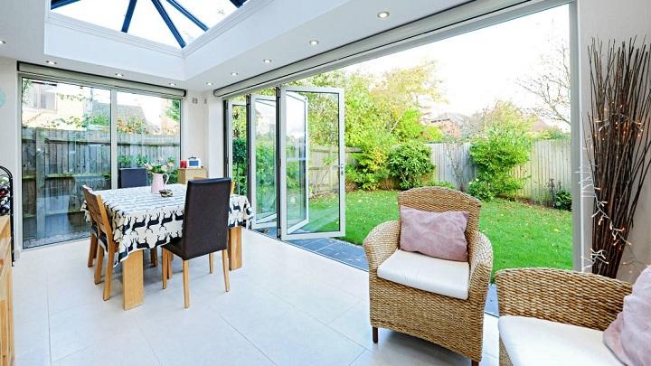 Consejos para aprovechar terrazas y jardines en invierno for Jardines de invierno cerramientos