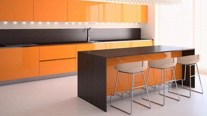 Fotos de cocinas de color naranja - Cocina blanca y naranja ...