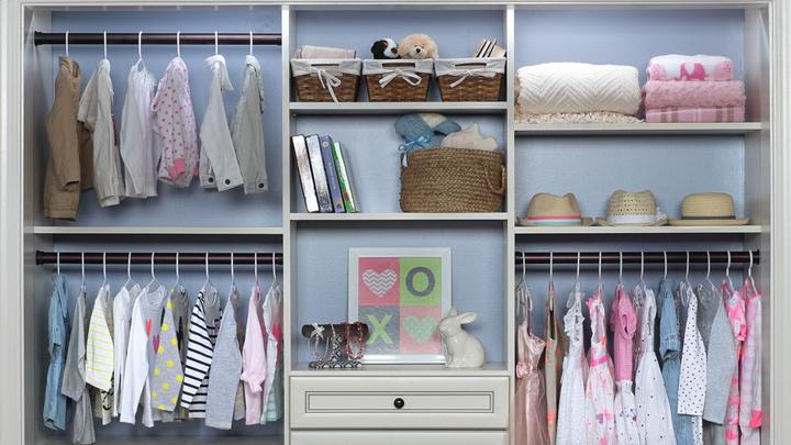 C mo organizar el armario infantil - Armario en l ...