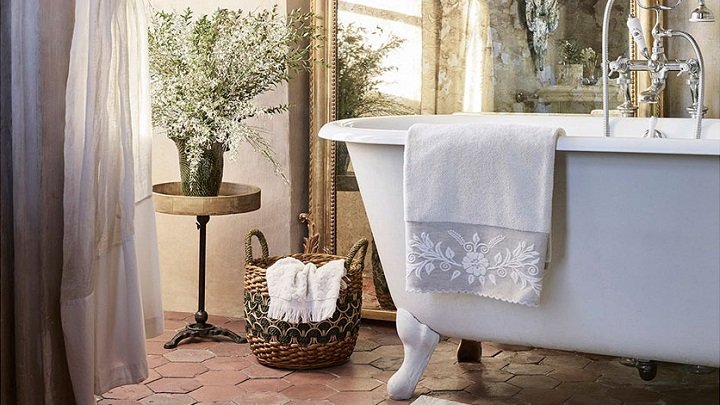 Versailles Zara Home3