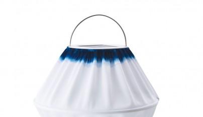 ikea-verano-2016-PE560129-solvinden-led-lampara-solar-colgante-poliester-disenador-chenyi-ke-32-cm-diametro-azul-blanco-lowres