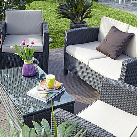 Conjuntos de muebles con mesa baja7 for Casas de jardin leroy merlin